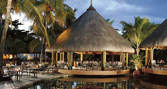 http://c.ccdn.cz/11089/macm/1202/restaurants-barsthatches_13460_o.jpg