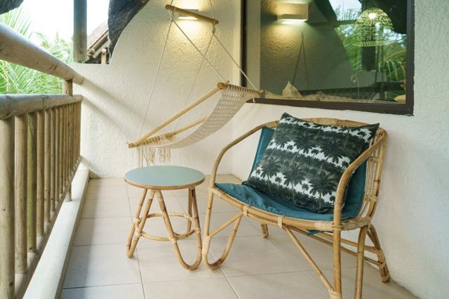 http://c.ccdn.cz/11089/macm/377/cdmadeluxe-room-03-balcony_20577_o.jpg