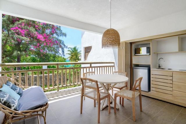 http://c.ccdn.cz/11089/macm/377/cdmafamily-appartment-02-terrace_20579_o.jpg