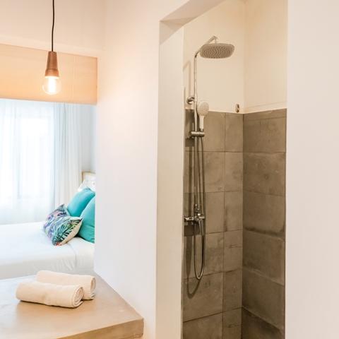 http://c.ccdn.cz/11089/macm/377/cdmafamily-appartment-04-bathroom_20581_o.jpg